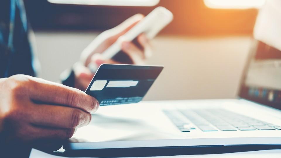 B2B Blog Revenue Using Online Ad Sales